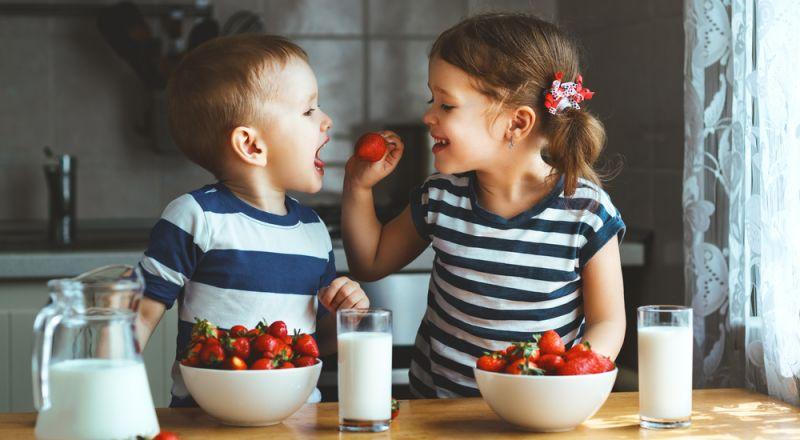 15 طعامًا تضر بصحة طفلك