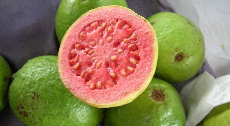 غلاء الأسعار: سعر كرتونة الجوافة 300 شيكل