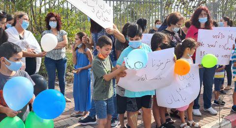 متظاهرون امام شرطة شنلر المهجورة في الناصرة: تخاذل الشرطة اكبر سلاح يدمرنا