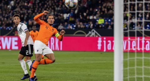 أبرز احداث الامس:هولندا تُطيح بفرنسا وألمانيا برأسية واحدة