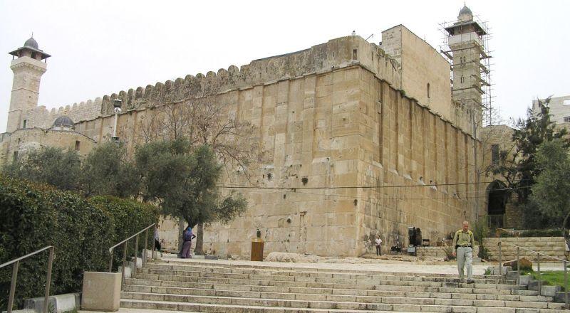 تحذير من مخطط إنشاء مصعد كهربائي بالمسجد الإبراهيمي