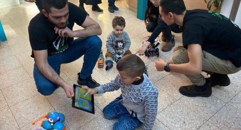 طلاب من يافة الناصرة بين دمج الروبوتات والعمل التطوعي والإنساني في المستشفيات