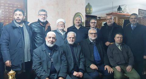 وفد من القائمة المشتركة والحركة الإسلامية في زيارة تضامنية مع الشيخ عكرمة صبري