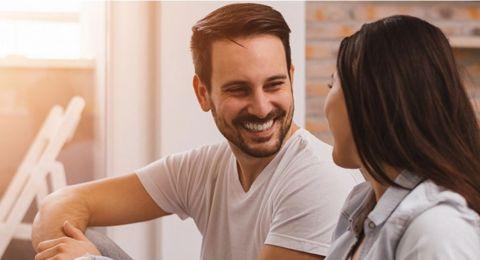 مجاملات يحب زوجك سماعها منك!