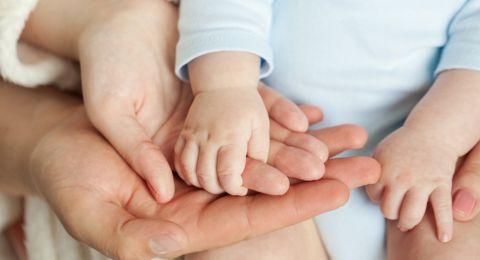 عزيزتي الأم، هكذا تؤثر نبرة صوتك على نمو طفلك الرضيع!