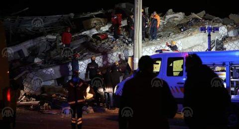 ارتفاع حصيلة ضحايا زلزال شرق تركيا إلى 19 قتيلا و922 جريحا