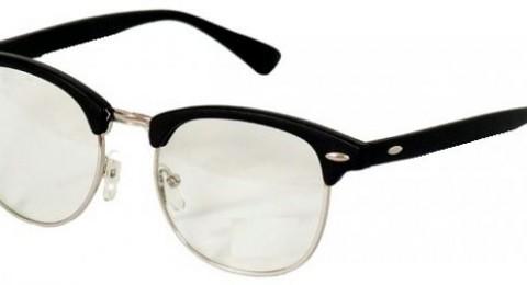 هل ارتداء النظارات يحسّن الرؤية أم يجعلها أسوأ؟