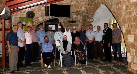 إفطار رمضاني وتكريم حفظة كتاب الله عز وجل في مسجد سيدنا علي.