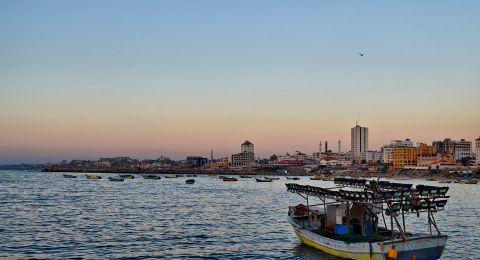 إسرائيل تتراجع عن قرار توسيع مساحة الصيد في غزة عقابا على البالونات