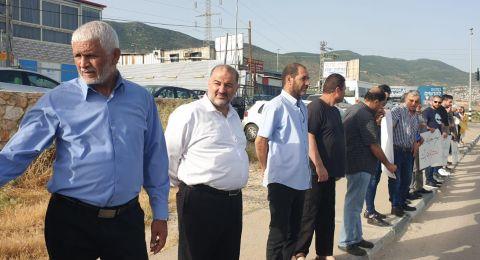 نحف: وقفة احتجاجية ضد العنف والجريمة بمشاركة النائب عبّاس