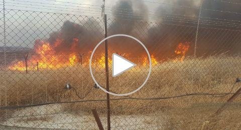 وما زالت الحرائق مستمرة.. اندلاع حريق في مكان للخردة في باقة الغربية