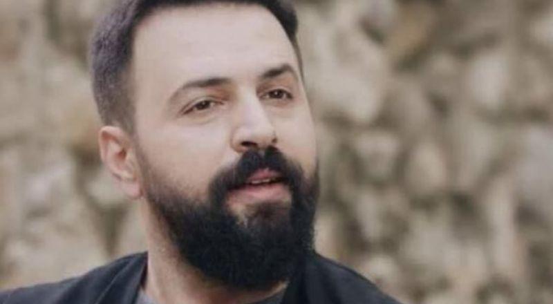 """""""جبل شيخ الجبل"""" موجود بـ 250 نسخة في مدينة حمص السورية"""