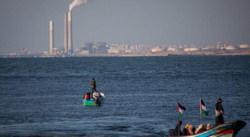 التماس للعليا يُلزم إسرائيل بإعادة 65 قارب صيد محتجز لديها تابعة لصيادين من غزة