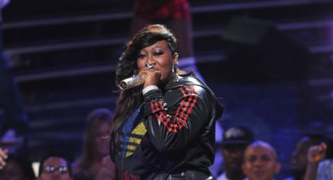 المغنية ميسي أليوت تصارع مرض