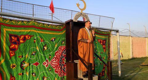 المئات في كفركنا يؤدون صلاة العيد بأجواء إيمانية