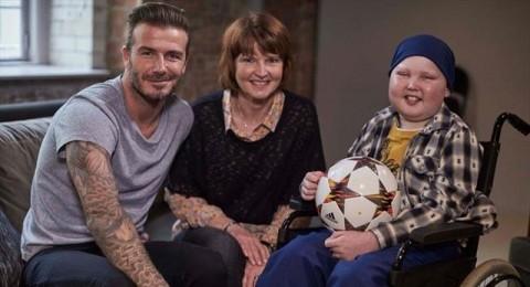 بيكهام يحول حلم طفل مريض بالسرطان إلى حقيقة!