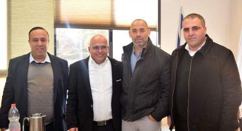 د.ساعر هرئيل مدير لواء حيفا يزور مجلس طلعة عارة