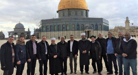 مفتي القدس ومحافظها يؤكدان على اهمية زيارة