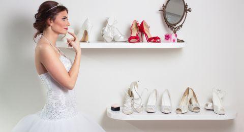 قبل اختيار حذاء زفافك... هذه النصائح ستفيدك تماماً!