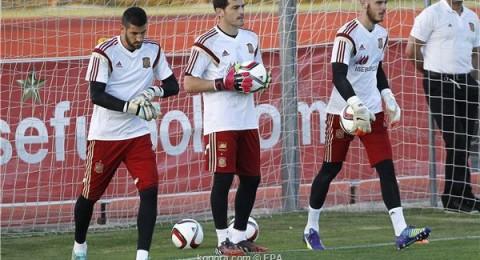 صراع على حراسة مرمى المنتخب الإسباني في اليورو