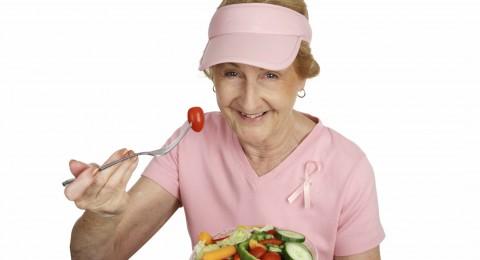 ما هي الأطعمة التي تقي من سرطان الثدي