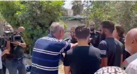 مستوطنون يقتحمون حي الشيخ جراح برفقة عضو الكنيست المتطرف سموتريتش