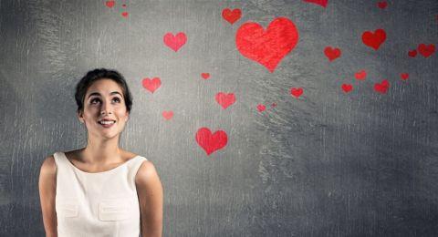مرحة أم خجولة.. برجك يكشف كيف تتصرفين مع شريكك