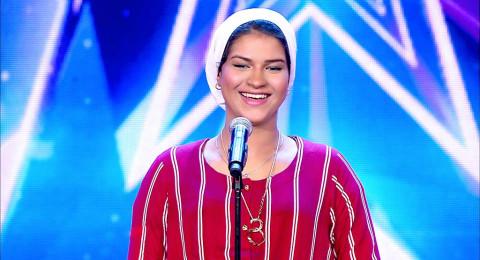 نجمة Arabs got talent المغربية تخلع الحجاب