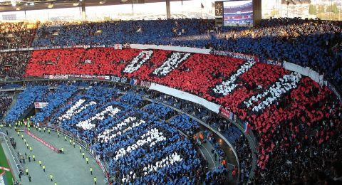 رابطة الدوري الإسباني تطعن في موعد مباراة الكلاسيكو بين برشلونة وريال مدريد