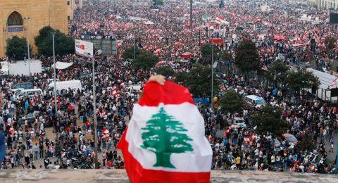 لبنان ينتفض لليوم العاشر، وصدامات بين قوى الأمن والمتظاهرين