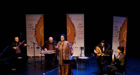 بين عائشة ودلال رحلات غنائية في الصوفية
