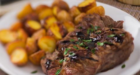 العلماء: خطر الإصابة بالجلطة الدماغية يزداد بتناول اللحوم الحمراء