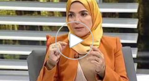 مذيعة مصرية تغني