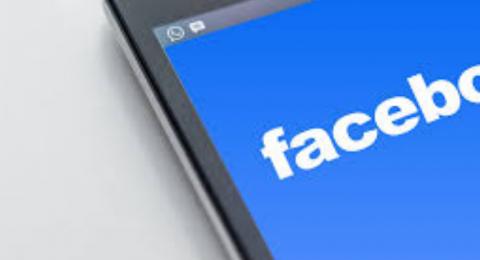 الحرب تشتعل بين فيسبوك وأبل.. والسبب