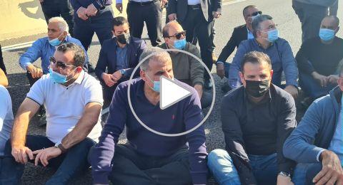 بعد اغلاق شارع 6 ومضايقات من الشرطة، اختتام المسيرة بوقفة أمام الكنيست وسط تجاهل من الإعلام العبري