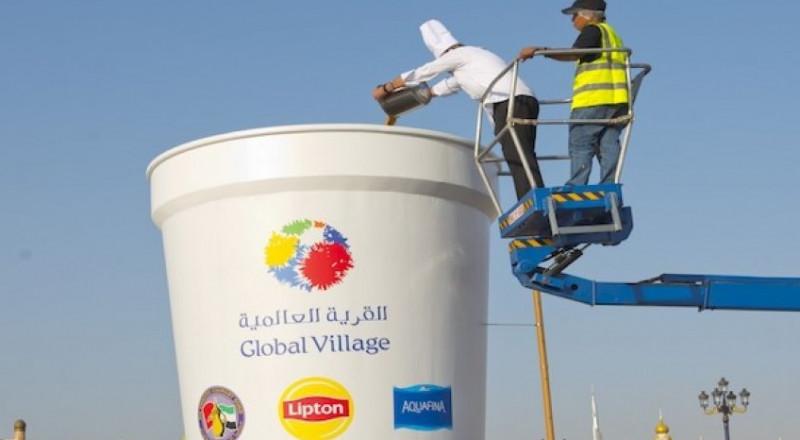 دبي تُعد أكبر كوب شاي ساخن، وتدخل غينس