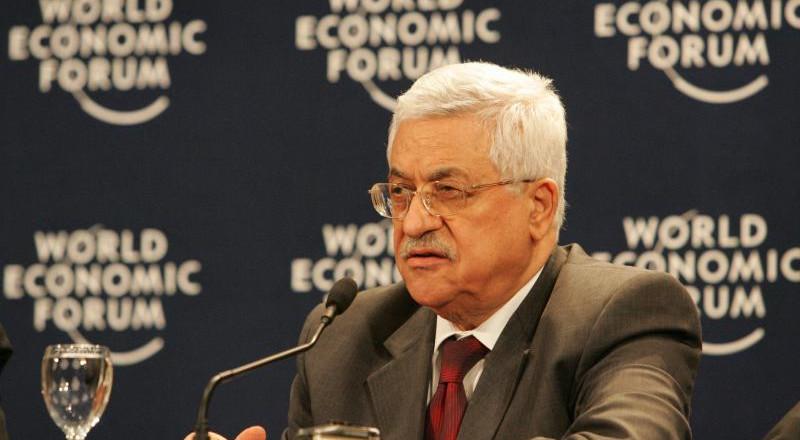 عباس: متمسك بالمفاوضات مع إسرائيل