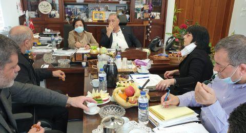 جلسة هامة حول التربية والتعليم في بلدية الناصرة بحضور اورنا سمحون مديرة لواء الشمال