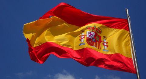 إسبانيا تزيل آخر تماثيل الدكتاتور فرانكو