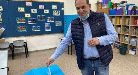 معليا: عراف يدلي بصوته ويدعو للتصويت