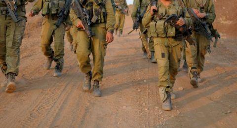 جنود أطلقوا النار على فلسطيني مقيد ومعصوب العينين أثناء محاولته الهرب منهم