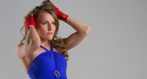 مصرع بطلة روسيا في الملاكمة التايلاندية بطريقة مروعة (صور)