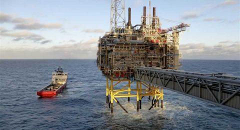 واشنطن تستعد لإيقاف الاستثناءات من عقوباتها على النفط الإيراني
