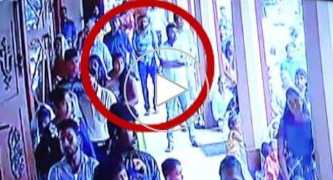 شاهد: لحظة ظهور الانتحاري مفجر كنيسة سريلانكا بين المواطنين