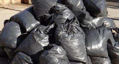 ممثّل لبناني يأكل من القمامة.. ورسالة الى اللبنانيين
