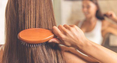 تطويل الشعر بالخلطات الطبيعية