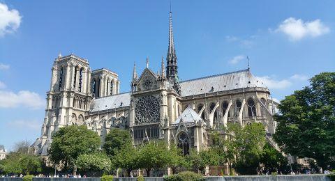 مهندس معماري: موجة الحر تهدد كاتدرائية نوتردام في فرنسا!