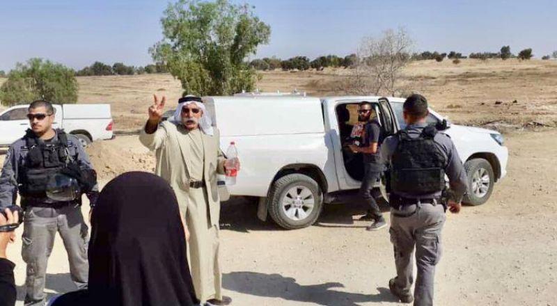 الجرافات الاسرائيلية تهدم العراقيب وتعتقل الشيخ صياح الطوري