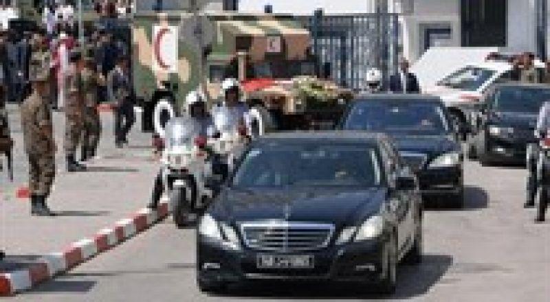 تونس تشيع جثمان رئيسها الراحل إلى مثواه الأخير