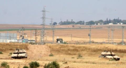 امير قطر يصل غزة وتوتر على الحدود مع اسرائيل